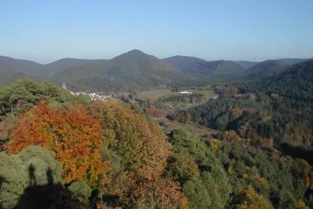 Blick von Burg Altdahn