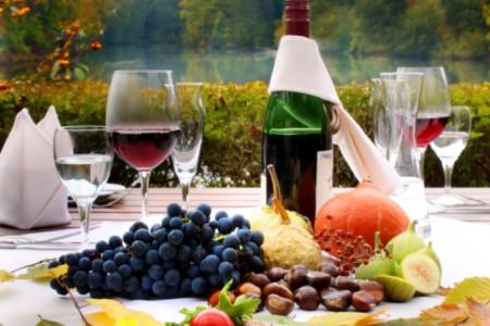 eiswoog_Gericht mit Wein_aus Flyer_kompr