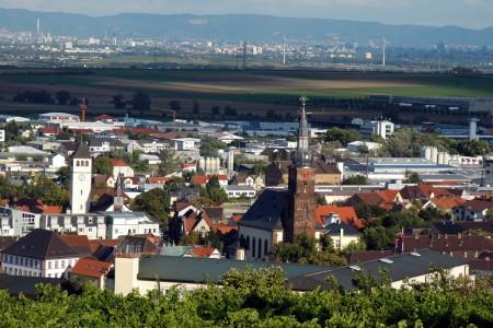 Leininger_Land_Panoramablick über Grünstadt in die Rheinebene
